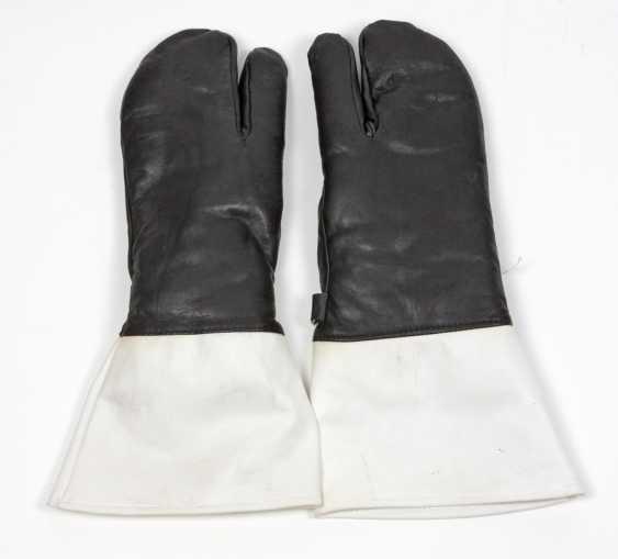 Police gloves - photo 1