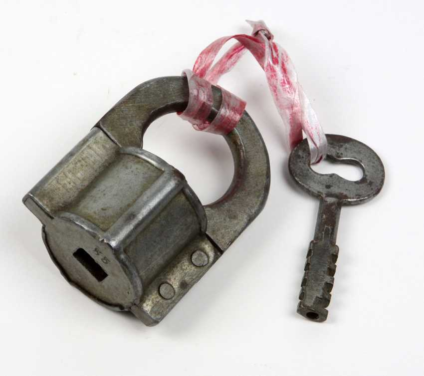 Padlock The Mid-19th Century. Century - photo 1