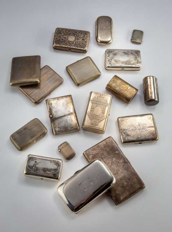 Small collection of 17 cigarette cases - photo 2