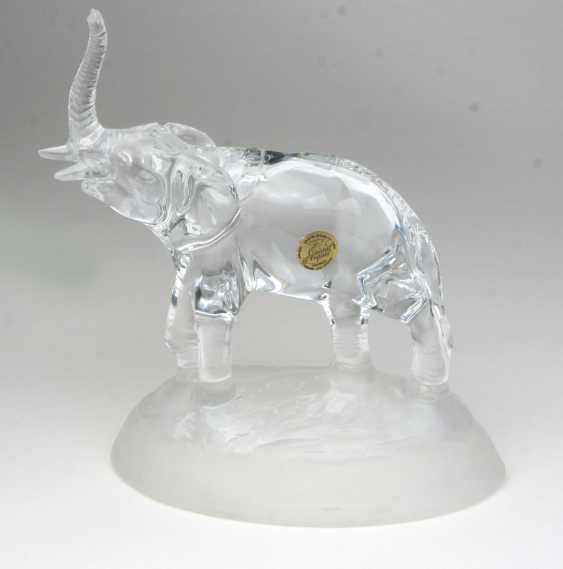 Elephant sculpture - photo 1