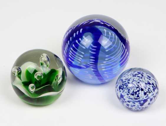 3 paper weights - photo 1