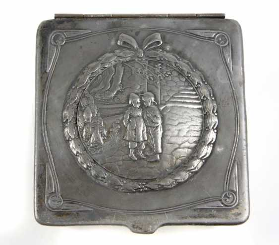 Art Nouveau box of chocolates to 1900 - photo 1