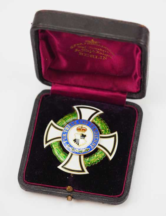 Hohenzollern: Princely Hohenzollern Cher Houseorder, Cross Of Honor 1. Class, in a case. - photo 1