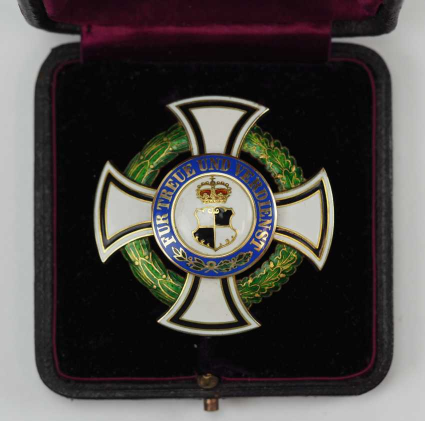 Hohenzollern: Princely Hohenzollern Cher Houseorder, Cross Of Honor 1. Class, in a case. - photo 2
