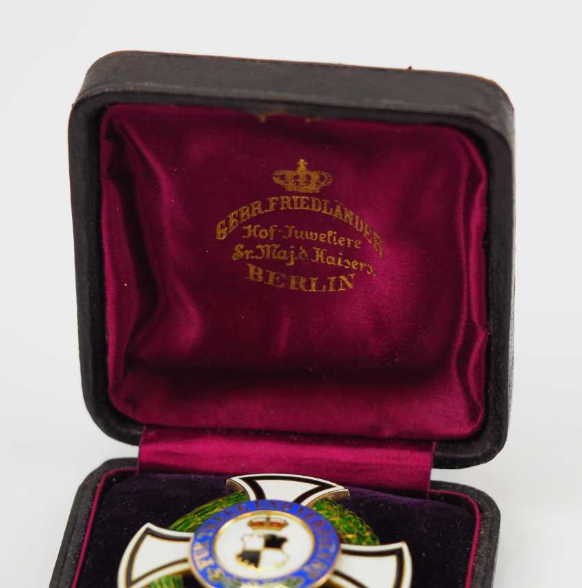 Hohenzollern: Princely Hohenzollern Cher Houseorder, Cross Of Honor 1. Class, in a case. - photo 4
