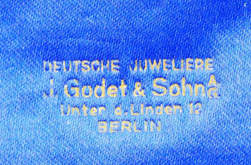 Prussia: Large case for a Medalbar of J. Godet & Sohn, Berlin. - photo 2