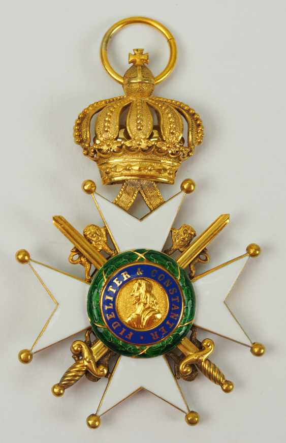 Saxon Duchies: Ducal Saxony Ernesti Order Of The House, 2. Model (1864-1935), Knights Cross 1. Class with swords. - photo 1