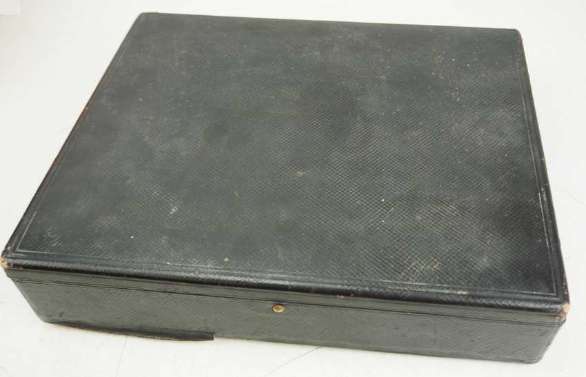 German Empire: medal box with sash and neck ribbons. - photo 2