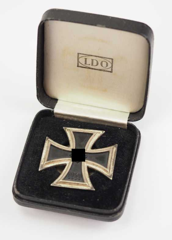 Iron Cross, 1939, 1. Class, on Screw plate, in a case - L/18. - photo 1