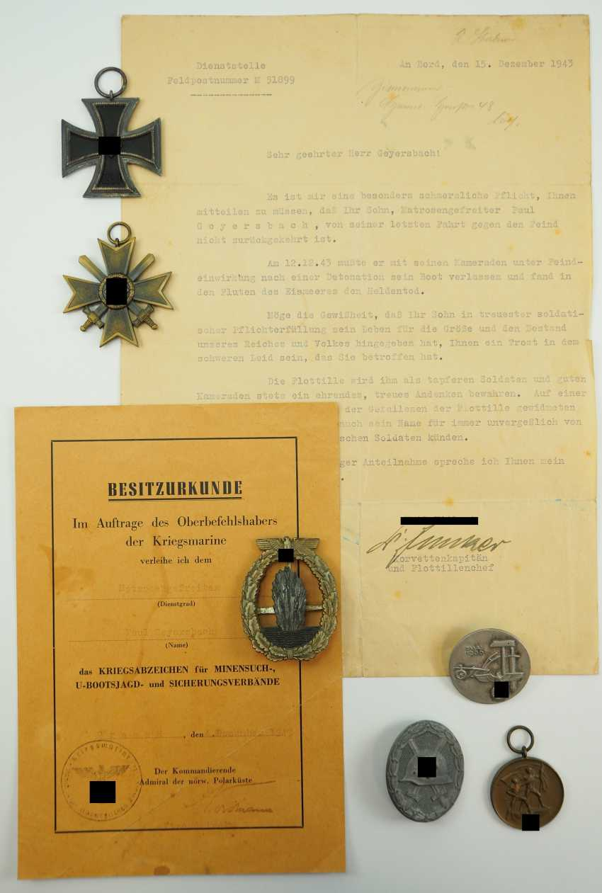 Estate of a fallen sailor corporal. - photo 1