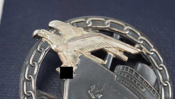 Blockade runners war badge, with Semi-miniature, in a case. - photo 3
