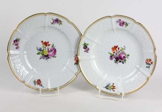 Meissen 2 Relief Plate *Flower Bouquet* - photo 1