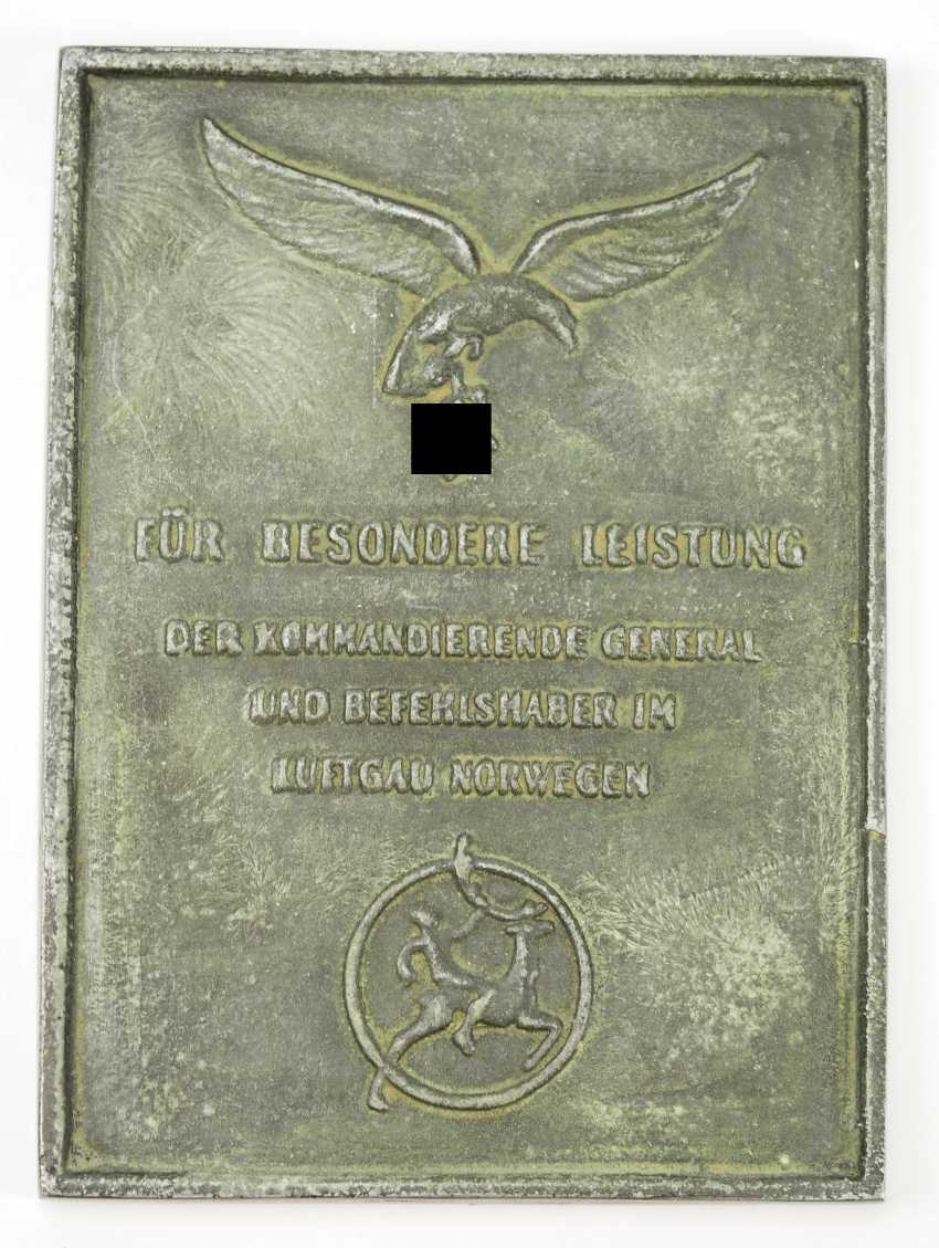 Honor shield for special achievements - the air section of Norway. - photo 1