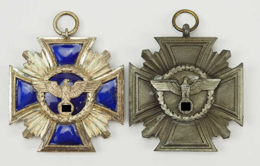 NSDAP: long service decoration, in silver and Bronze. - photo 1