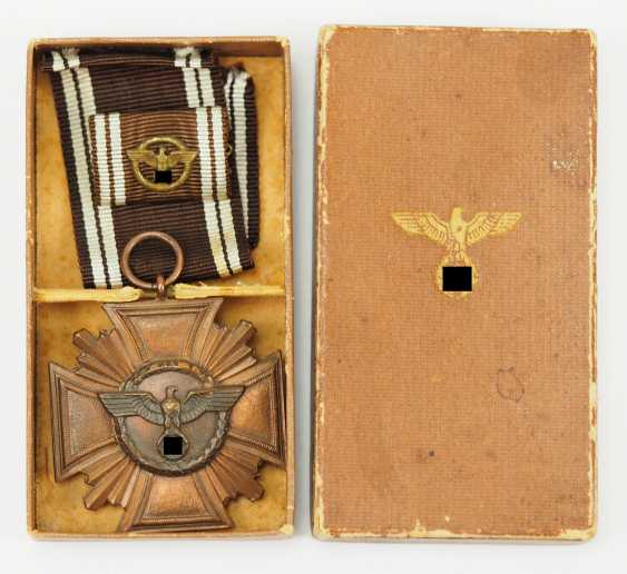 NSDAP: long service decoration in Bronze, in a case. - photo 1