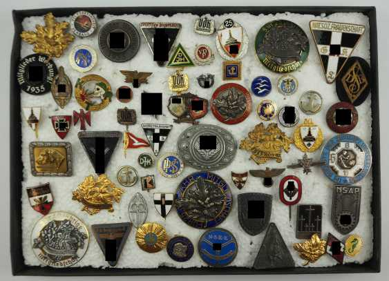 Collection Of Badges Is Small. - photo 1