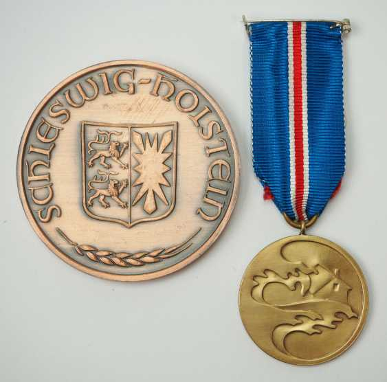 "Schleswig-Holstein: commemorative medal ""For rescue from danger,"" 2. Model (since 1954). - photo 1"
