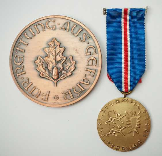 "Schleswig-Holstein: commemorative medal ""For rescue from danger,"" 2. Model (since 1954). - photo 2"
