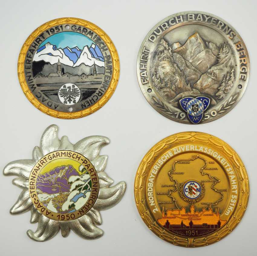 Lot of 4 car badges. - photo 1