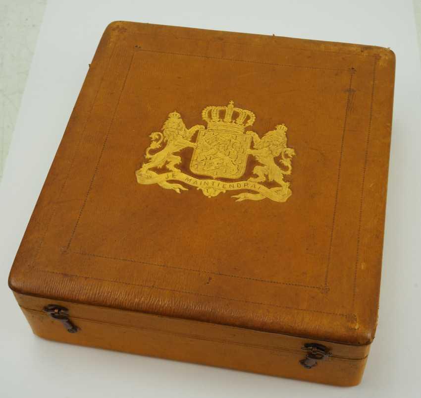 The Netherlands: Oranje-Nassau order, Grand cross set, in a case. - photo 8