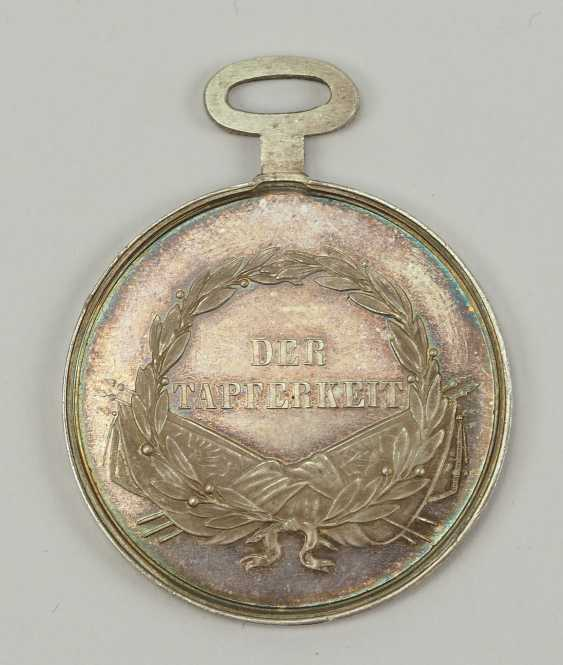 Austria: Bravery Medal, 5. Model (1849 - 1859), Franz Joseph I. Silver 1. Class. - photo 2