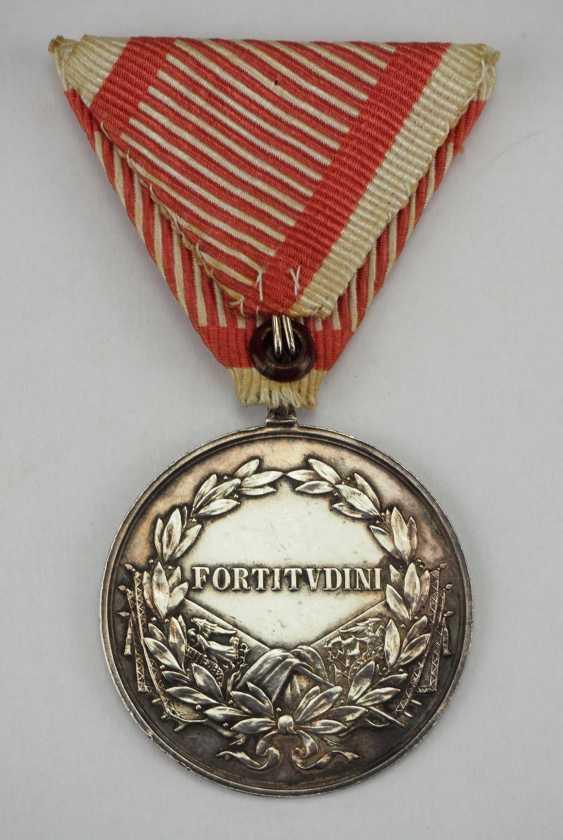 Austria: Bravery Medal, 9. Model (1917-1918), Karl, Silver, 1. Class with a K-pad. - photo 2