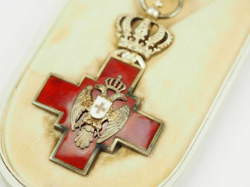 Serbia: order of the Red cross society of the Kingdom of Serbia, 2. Model (1882-1941), in a case. - photo 2