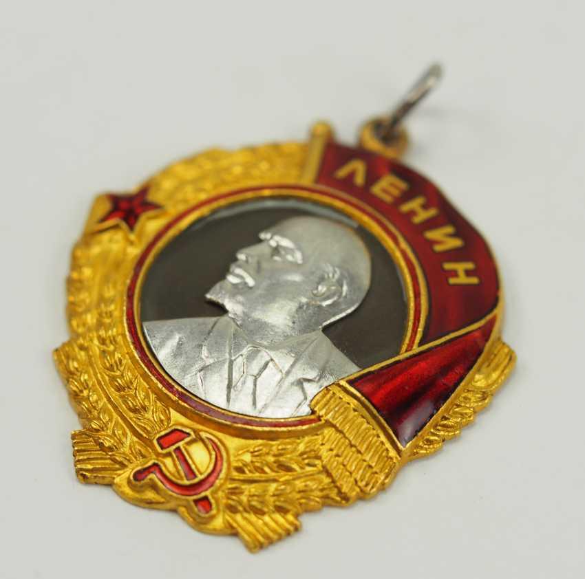 Soviet Union: Order Of Lenin, 5. Model, 1. Type. - photo 2