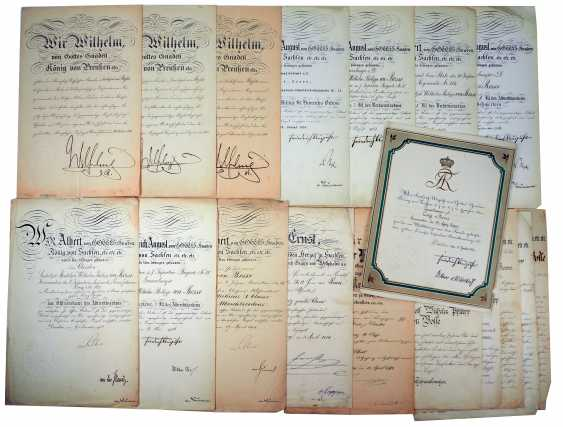 """Saxony: group of certificates of the commander of the 8. Infantry-Regiment """"Prinz Johann Georg"""" No. 107 - 5 Bar. East Asian Infantry Regiment. - photo 1"""