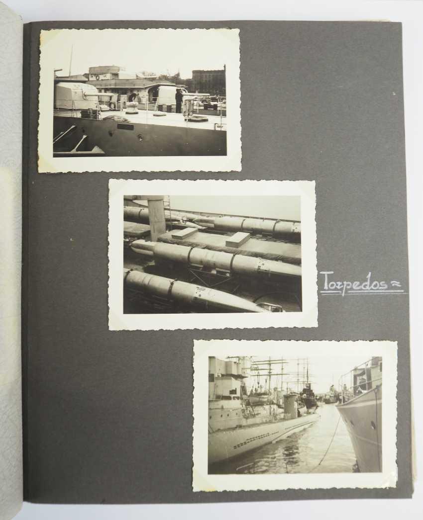 Photo album of a marine. - photo 1