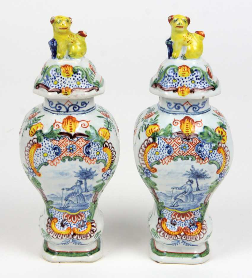 Faience vase pair to 1780/1800 - photo 1