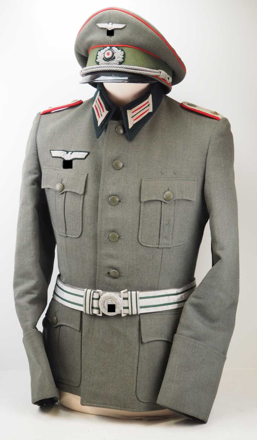 Wehrmacht: uniform estate of a upper artillery Lieutenant. - photo 1
