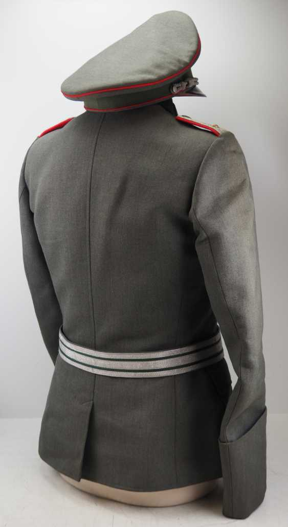Wehrmacht: uniform estate of a upper artillery Lieutenant. - photo 3