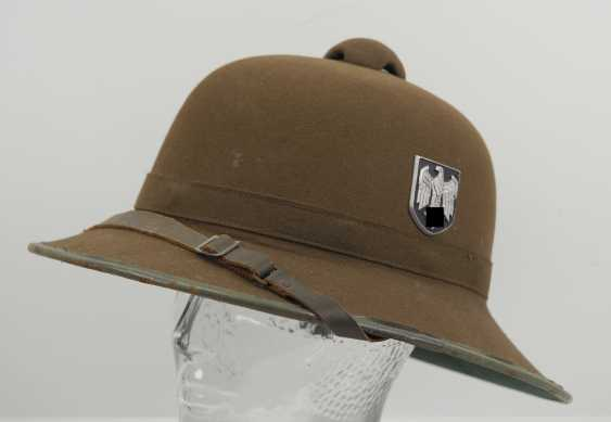 Wehrmacht tropical helmet of the Africa corps, 2. Model. - photo 1
