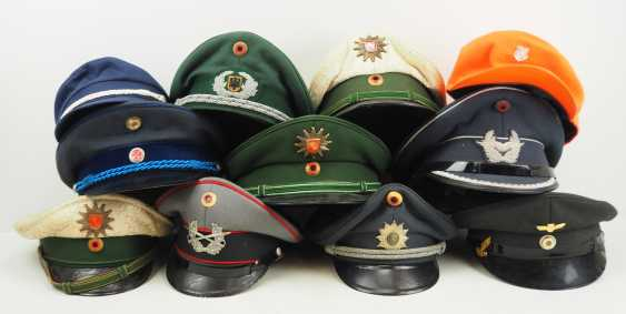Germany: Lot headgear. - photo 1
