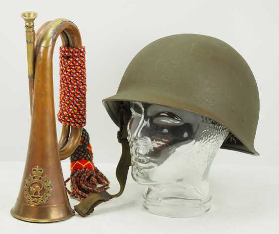 Canada / United States: steel helmet, and signal trumpet. - photo 1