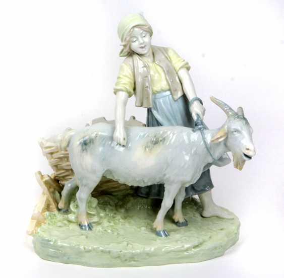 Goat shepherdess 1900 - photo 1