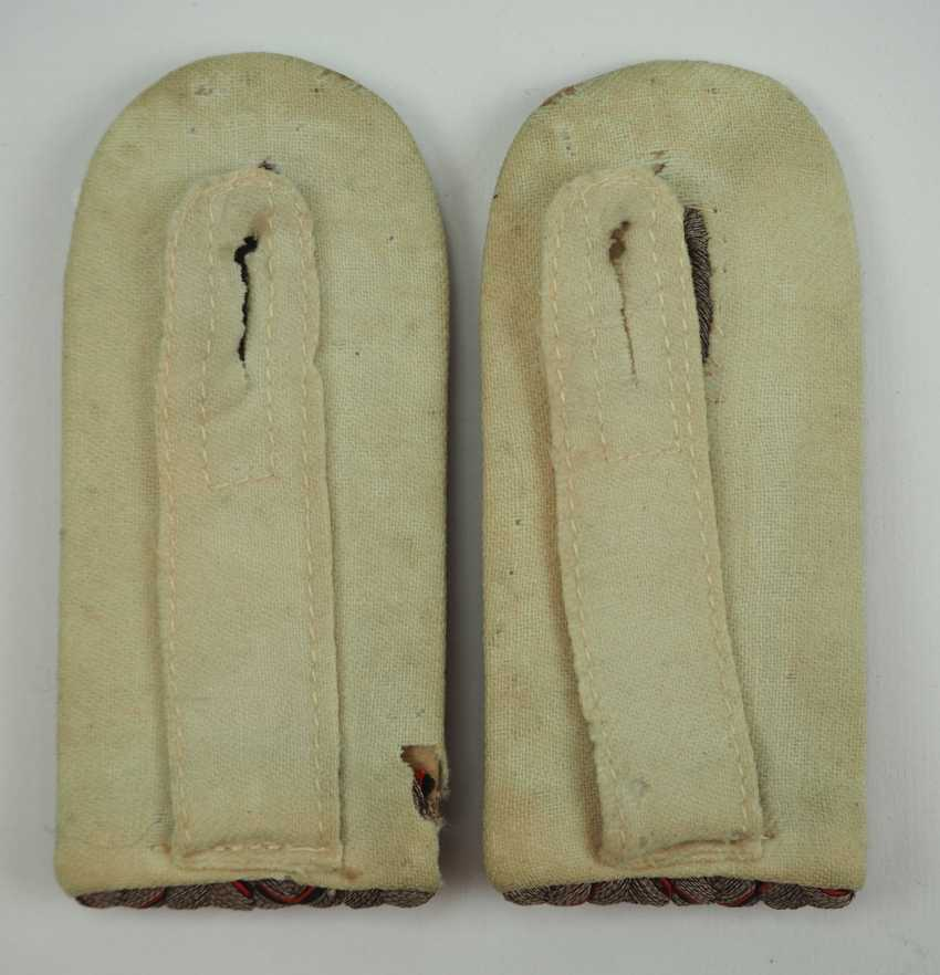 """Württemberg: Pair of field grey shoulderboards for a Leutnant in Dragoon Regiment """"Queen Olga"""" (1. Württembergisches) Nr. 25. - photo 3"""