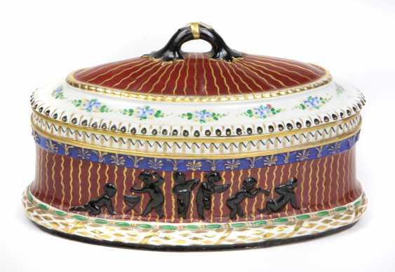 Art Nouveau lidded box, around 1900 - photo 1