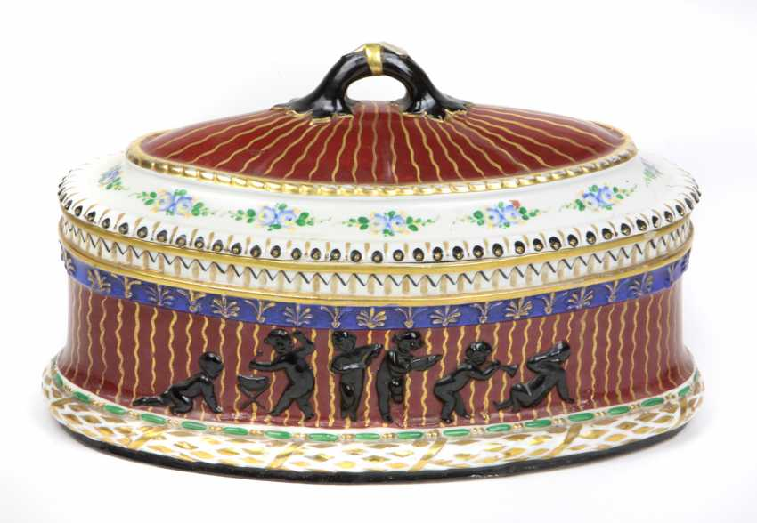 Art Nouveau lidded box, around 1900 - photo 1