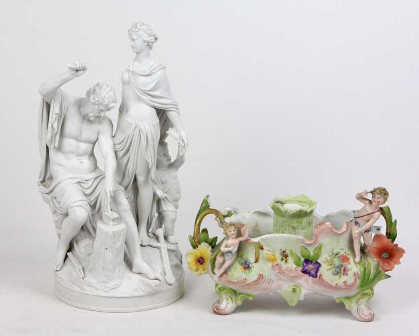 2 allegorical porcelain parts - photo 1
