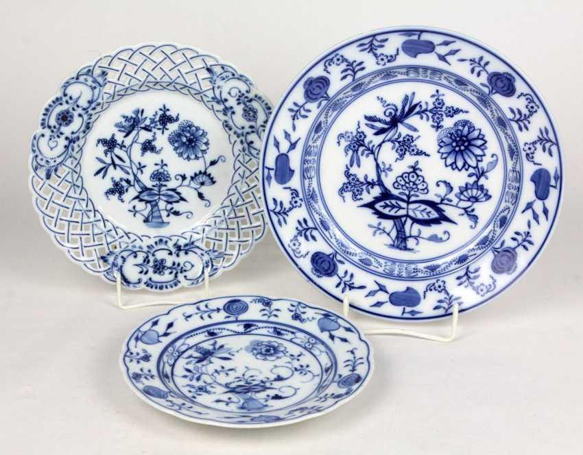 3 Onion Pattern Plate - photo 1