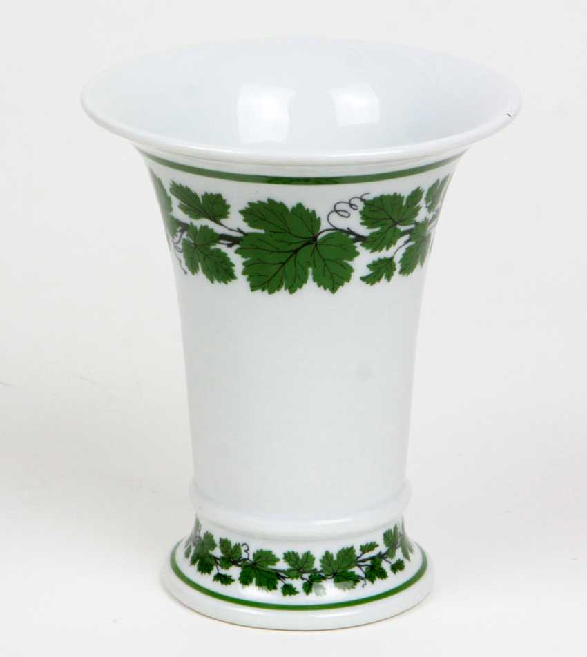 Meissen Funnel Vase *Vine Leaves* - photo 1