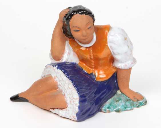 Ceramic figure - photo 1