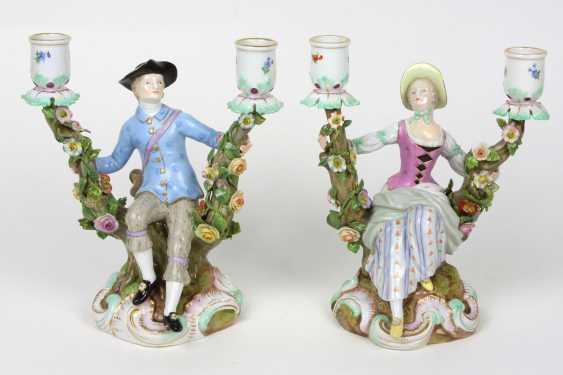 Пара помпой для фигурной подсвечники в 1860 году Meissen