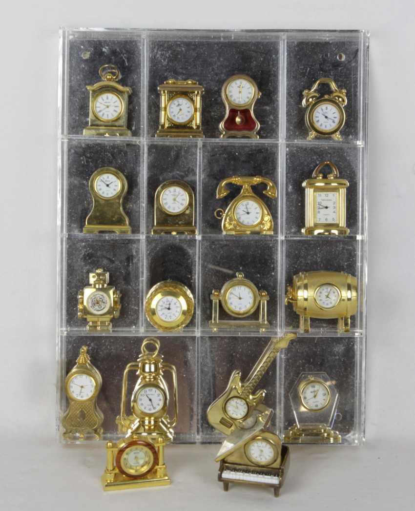 19 miniature clocks - photo 1