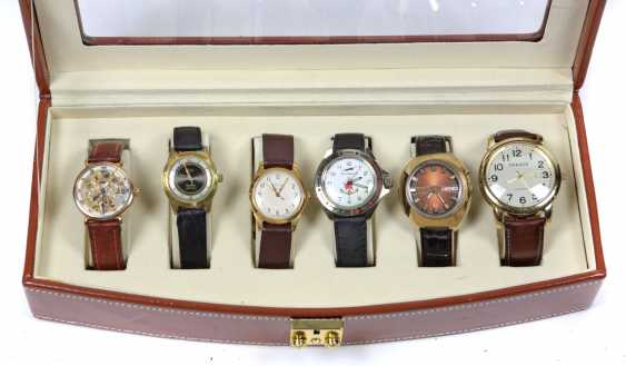 6 mens wrist watches in a case - photo 1