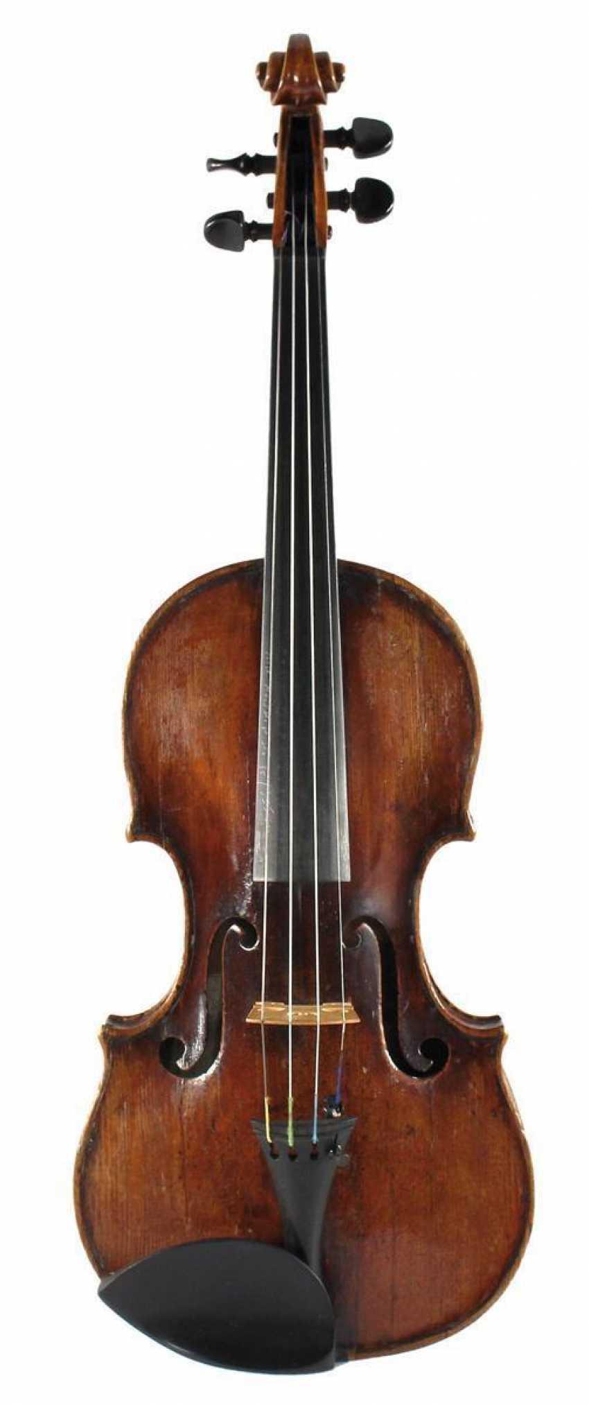 распространение опухолевого фото скрипки гранчино будут располагаться