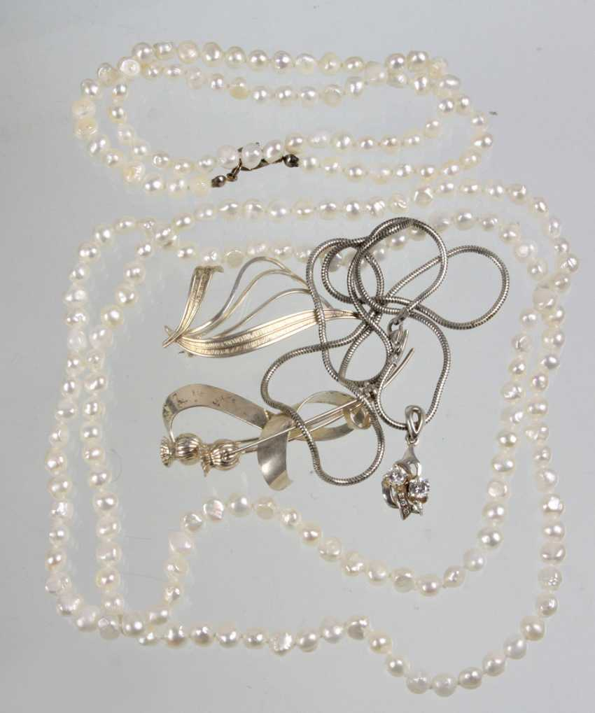 The post pearl and silver jewelry - photo 1