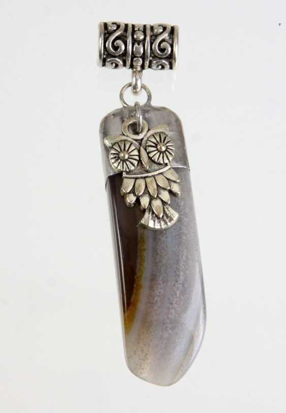 Bands agate pendant with owl - photo 1
